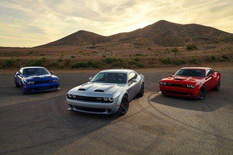 200萬就能買到797匹馬力的Challenger Hellcat Redeye跑車!