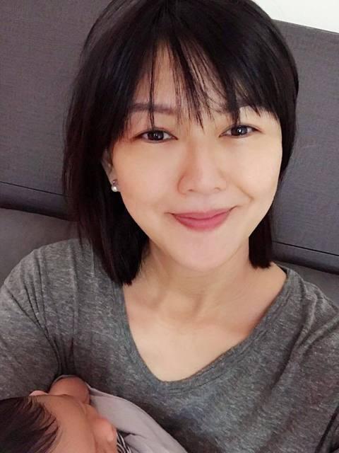 孫燕姿本月23日剛歡慶40歲生日,今在臉書宣布喜訊,說:「在25/7/2018,迎接我們在最忙碌的時候發現她的存在的新女成員,她出生2.79公斤。」由於她產前對胎兒的性別保密到家,如今湊成一個「好」...