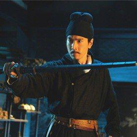 中國神探狄仁傑 身上的「亢龍鐧」變這樣
