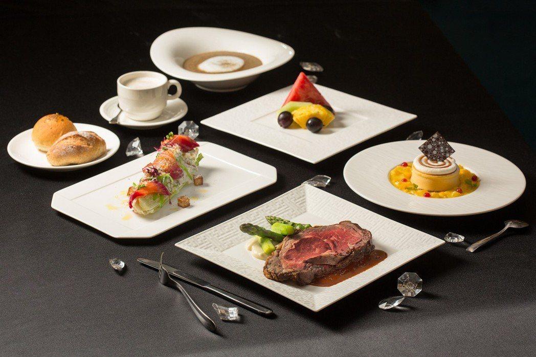 「國賓夜總會」將於8月24日演出,並有五星級美食饗宴。圖/國賓飯店提供