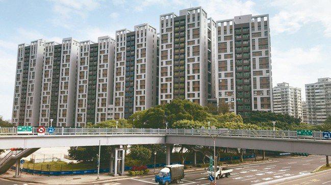林口選手村社會住宅招租,導致周邊住宅租金開價下降。 記者游智文/攝影