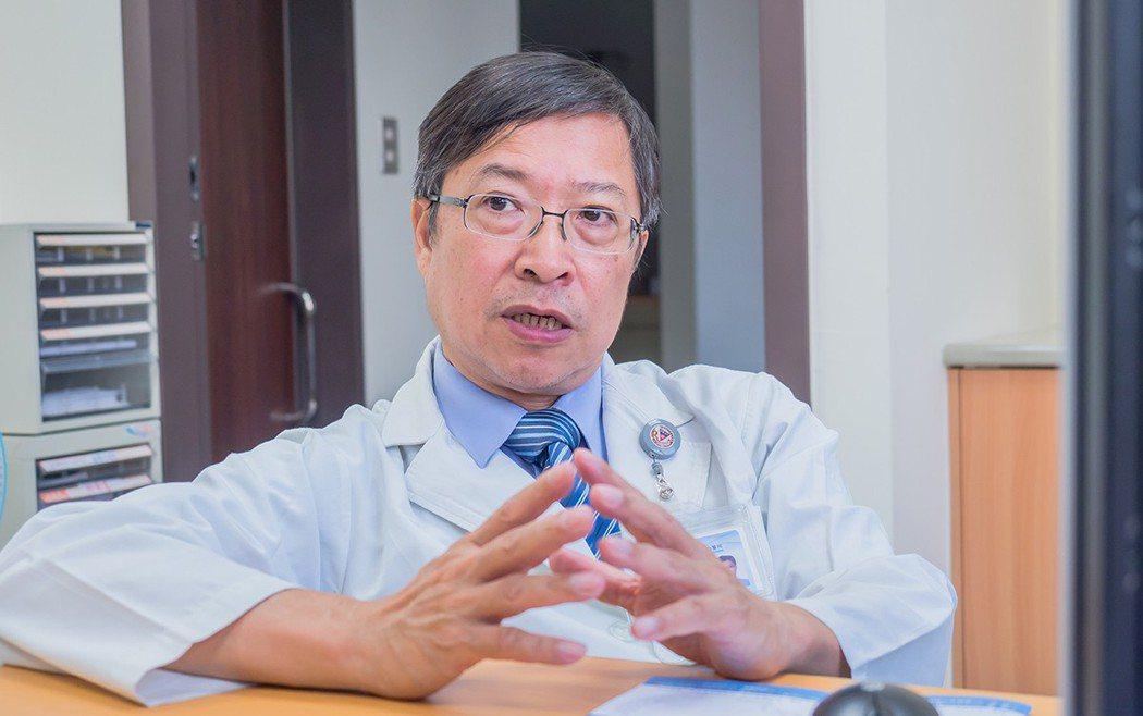 高雄醫學大學副校長余明隆教授呼籲台灣民眾應定期進行肝炎篩檢。 圖/吉立亞醫藥...