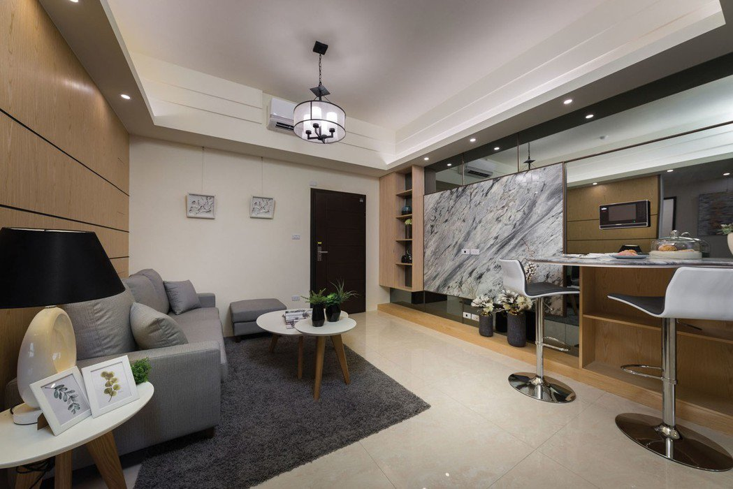 【超闊4M寬客廳】大戶級客廳尺度,強勢出現在你家裡,大的足以放下演奏級鋼琴。 圖...