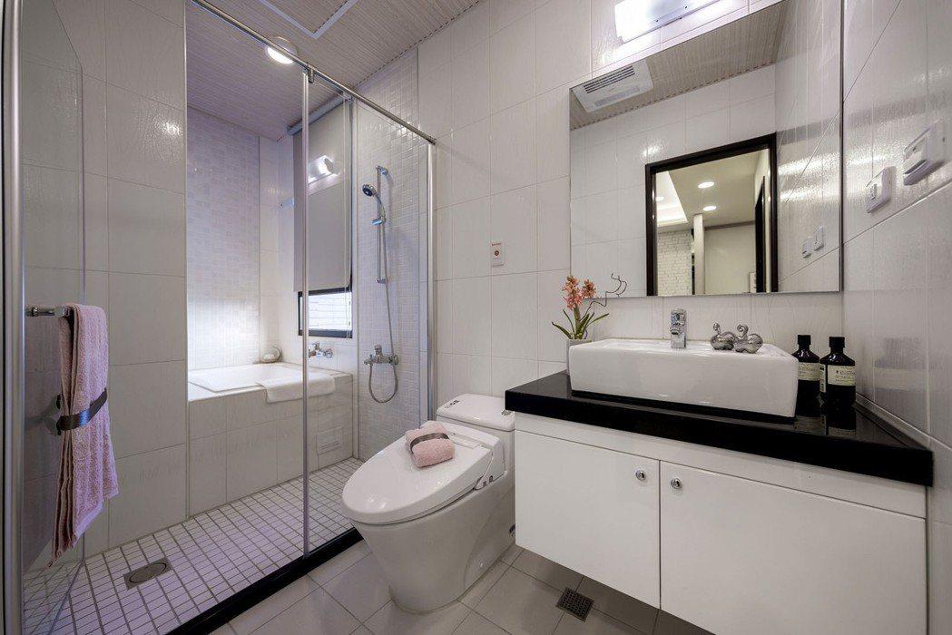 【激賞4件式衛浴】建材設備樣樣精選,匹配品味居家享受。 圖片提供/利富建設