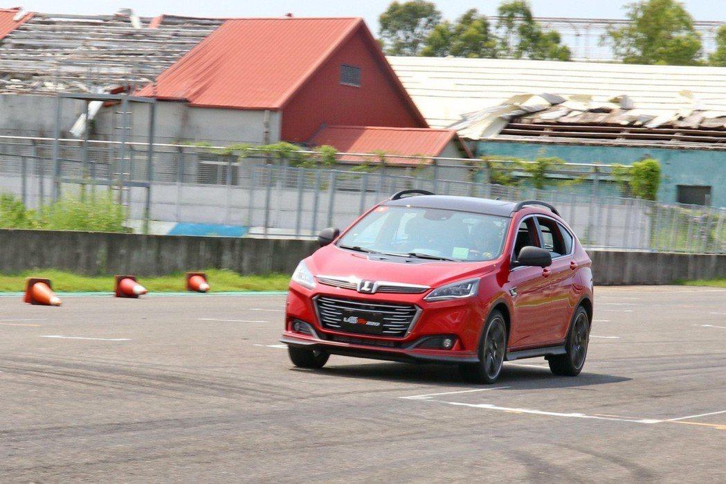 LUXGEN U6 GT220展現出媲美德系車款的性能操控表現。 記者陳威任/攝影