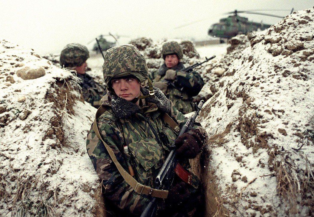 莫斯科判斷以美國為首的西方陣營,仍具冷戰的意識形態,對俄國有強大敵意。圖為200...