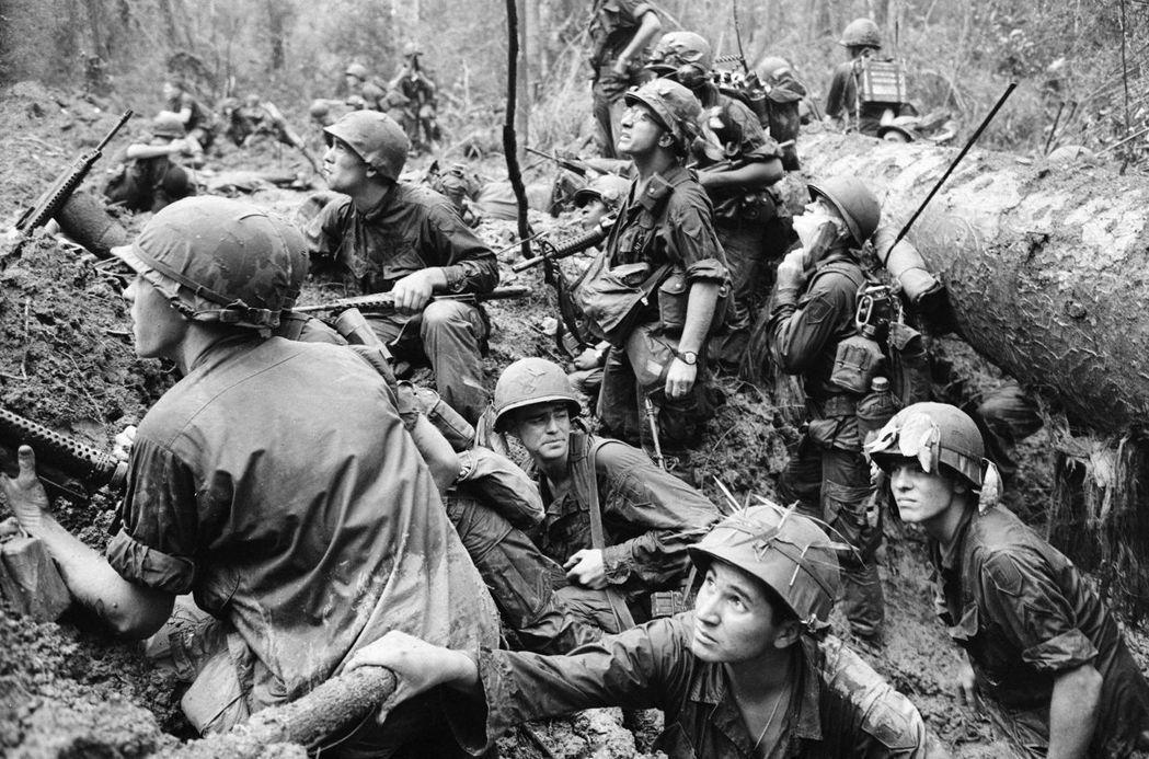將越南視為一個前殖民地或一個戰略地區,或將越戰簡化為一場戰爭或一連幾場戰爭,都會...