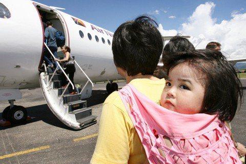 將孩子送往海外,能換取更好的未來嗎? 圖/路透社