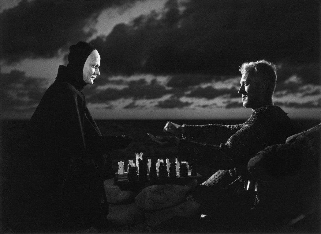 柏格曼百年紀念影展8月中旬起在台中登場,「第七封印」中的死神角色,成為無數電影仿