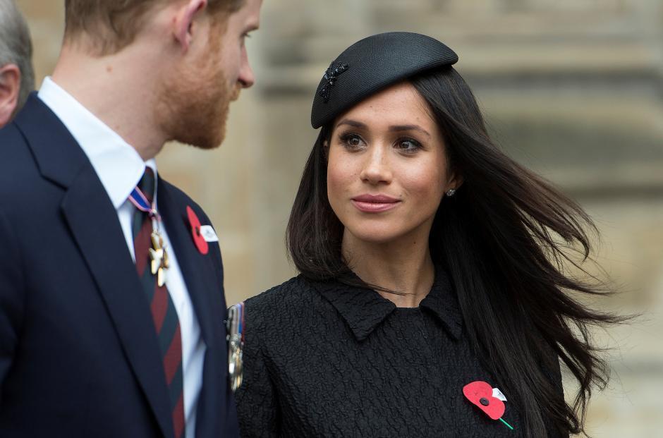 梅根自從嫁進英國皇室後,一舉一動都要小心是否失禮。圖/路透資料照片