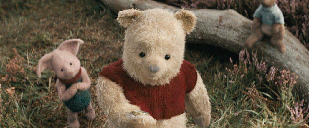 「摯友維尼」將「小熊維尼」中的經典角色全部以逼真的特效再次呈現。圖/迪士尼提供