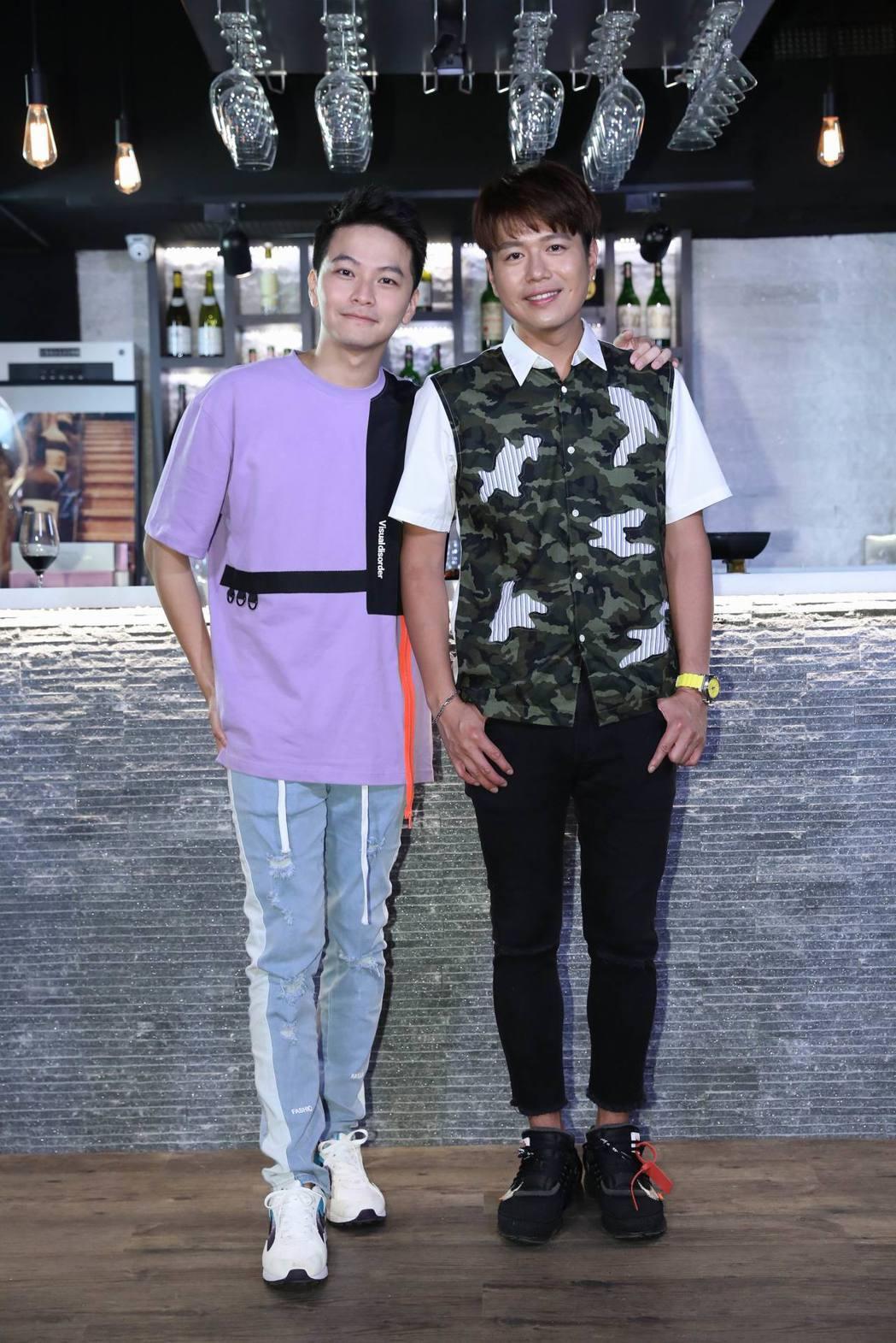 李易(右)、楊銘威參加「DBR LafiteX易起吃飯吧」餐酒料理活動。圖/明悅...