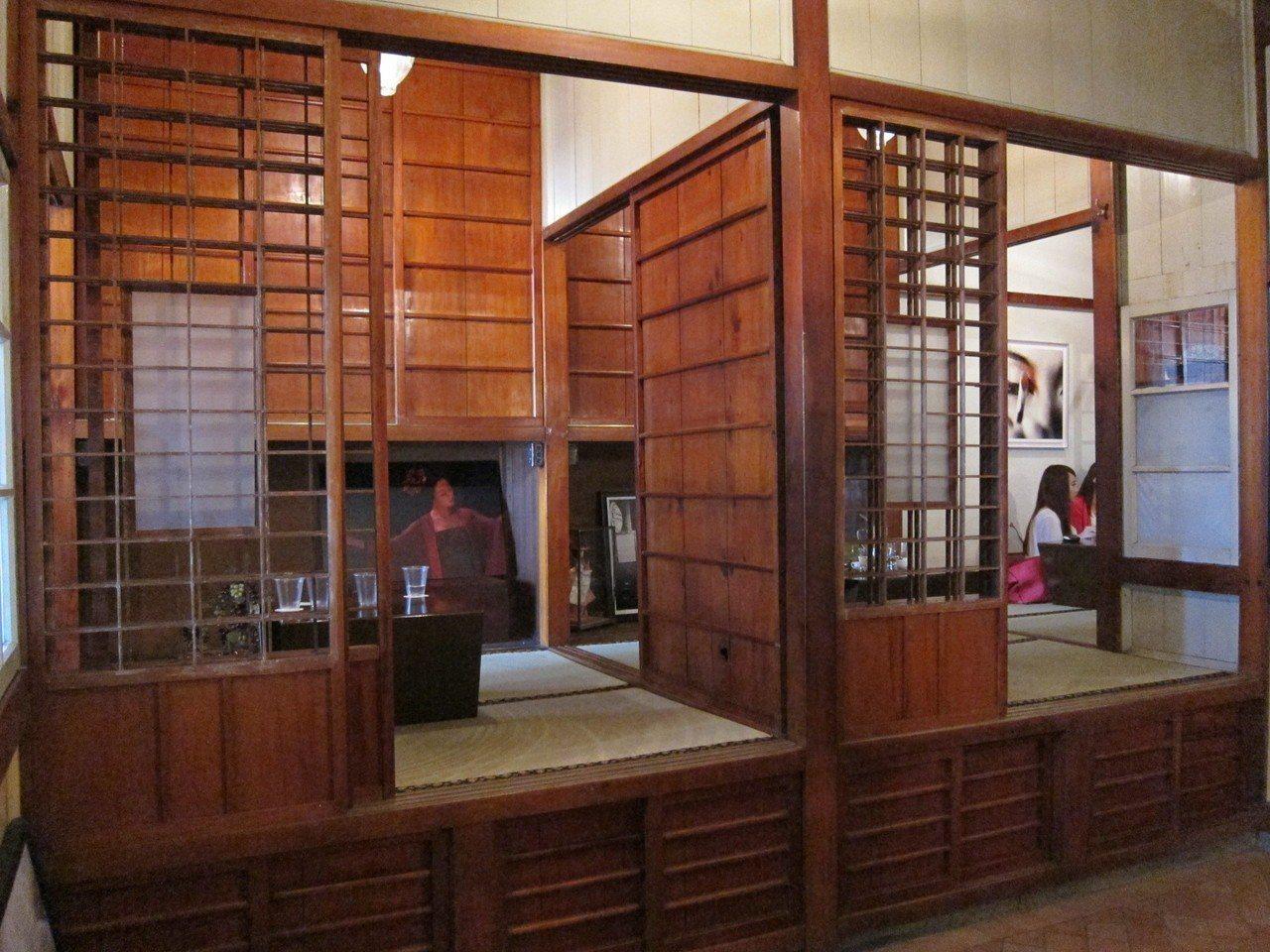合盛太平2樓原是醫生家人的起居室,現保留原有隔間,成為別具特色的包廂。報系資料照