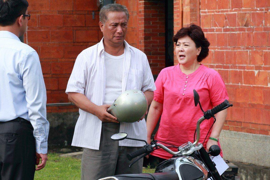 馬如風、劉秀雯在「風水世家」演夫妻。圖/民視提供