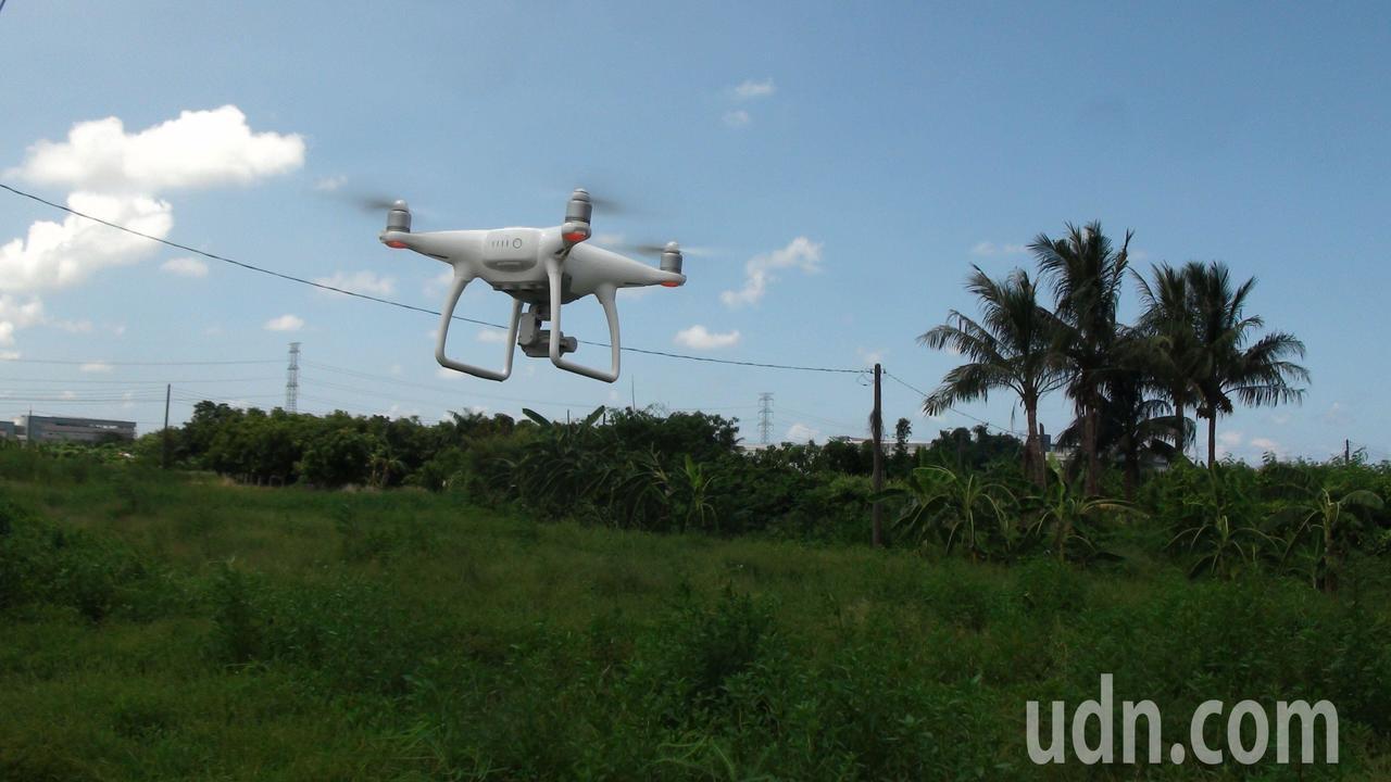 空拍機看農地一覽無遺。記者謝梅芬/攝影