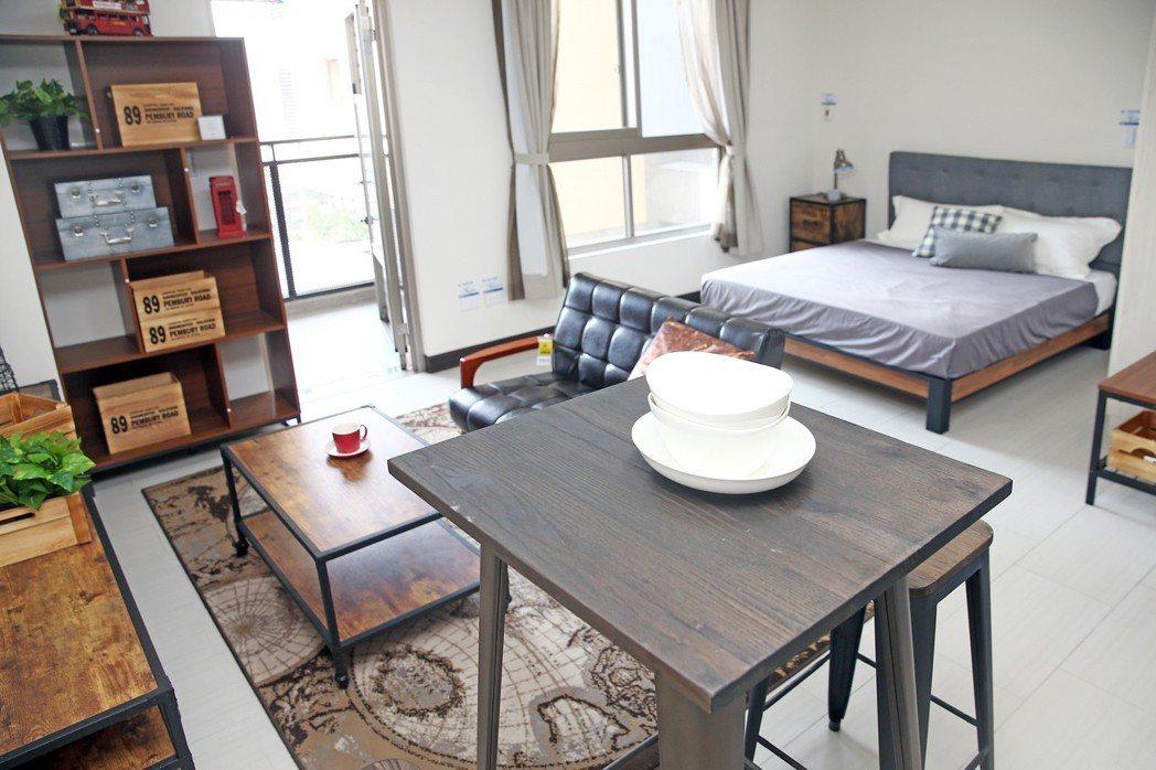 北市文山區的興隆D2區公宅,圖為一房型,月租金從7100元到9400元不等。(示...