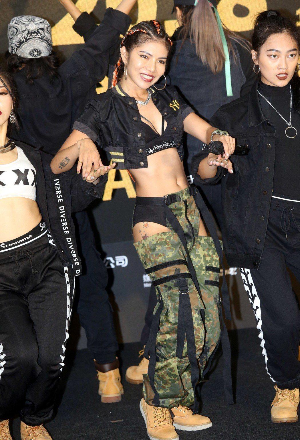 NikeChen是舞蹈名師,將在月底的「超硬電司趴」演唱會帶來唱跳演出。記者林俊...
