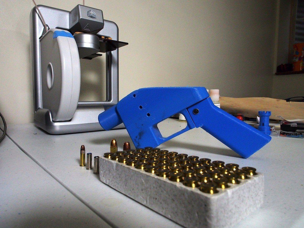 各州檢察長呼籲法官禁止威爾森及「分散防衛」上網公開3D列印槍藍圖。 法新社