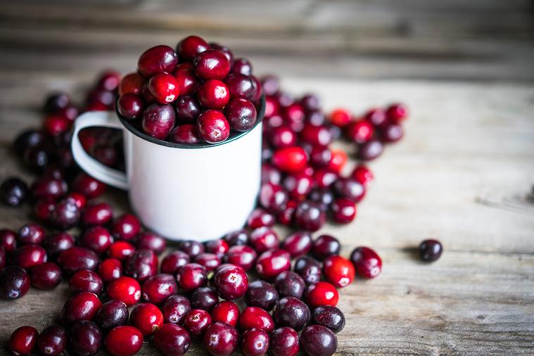 訪間流傳的「蔓越莓可以治療、預防尿路感染」,究竟是否正確? 圖/ingimage
