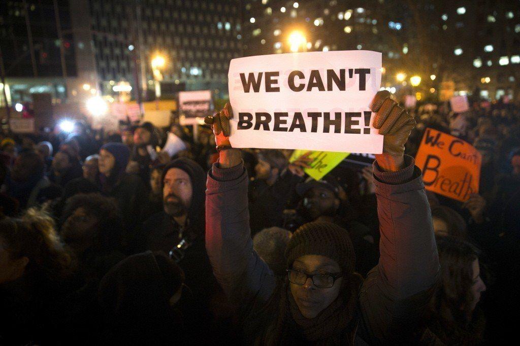 2014年,一名黑人埃里克加納在紐約市遭白人警察勒頸窒息。事件爆發後,美國當地爆...