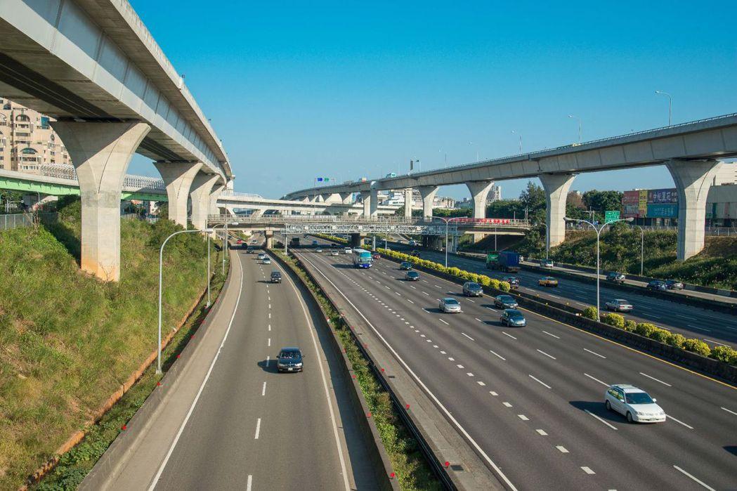 完整的交通網絡,讓A7重劃區輕鬆串聯北台灣生活圈。