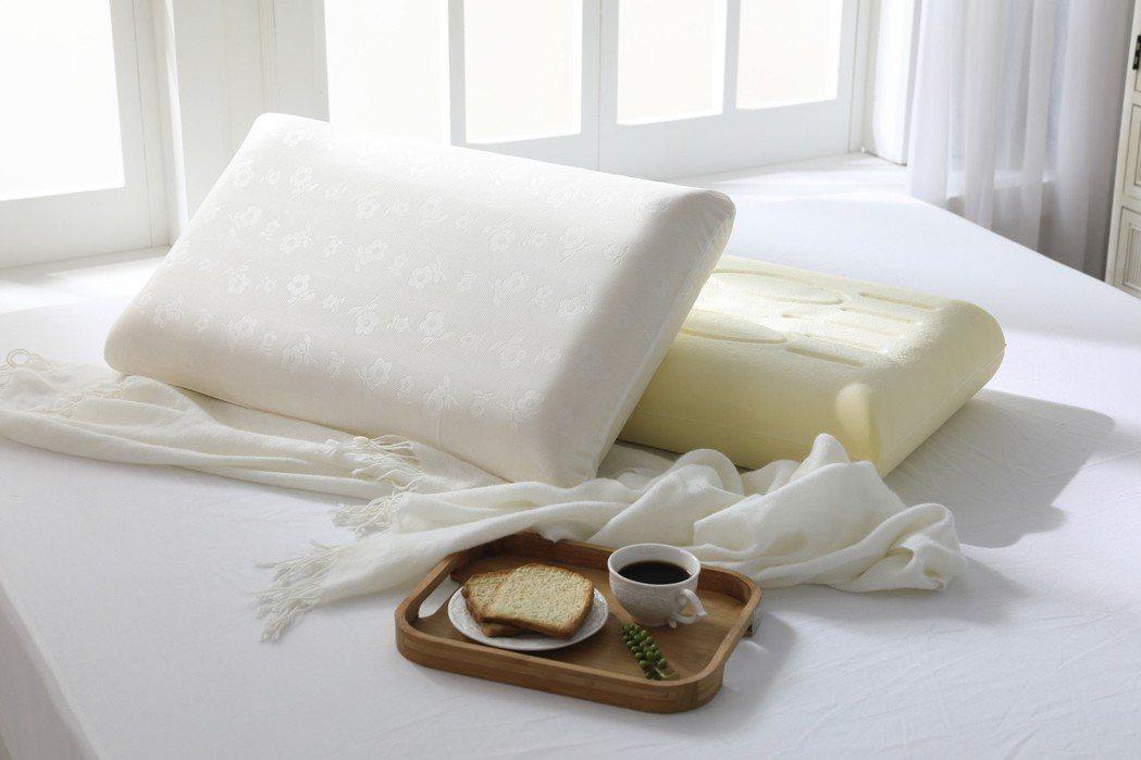 MONTAGUT 父親節好禮推薦 雲朵溫感釋壓枕。 MONTAGUT/提供