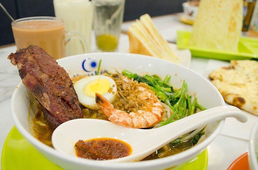 (圖/台灣旅行趣) ▲「檳城刀霸阿蝦麵」口感豐富的海陸雙享。