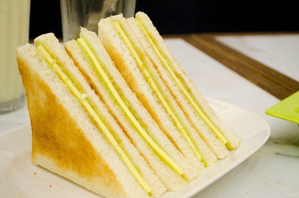 (圖/台灣旅行趣) ▲「馬來加央烤麵包」,內餡加央醬是馬來西亞常見的南洋甜點抹醬...