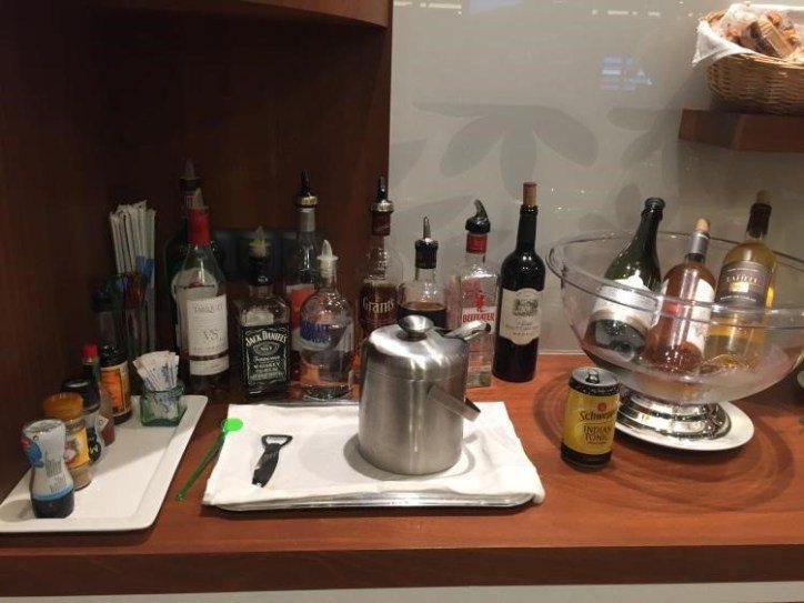 酒精飲料區 圖文來自於:TripPlus ※ 提醒您:禁止酒駕 飲酒過量有礙...