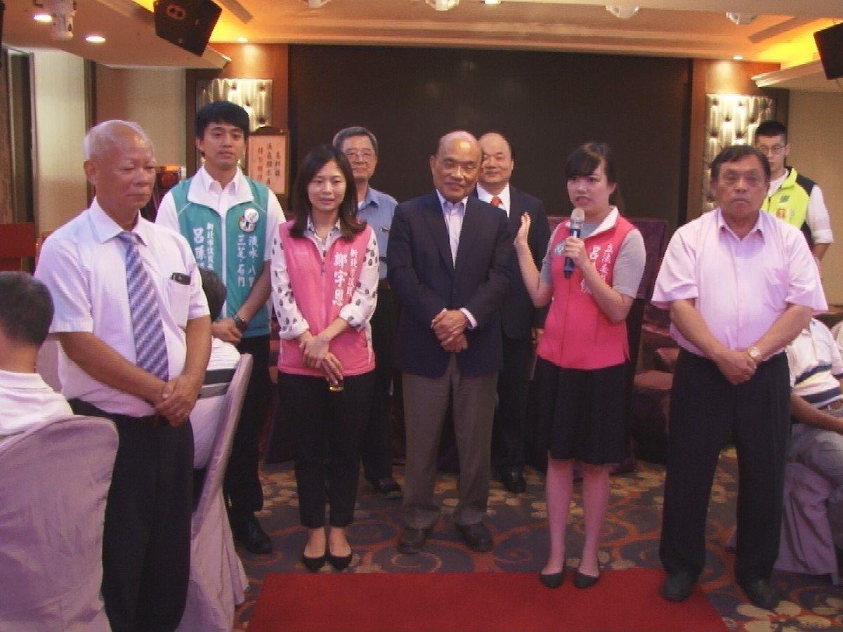 新北市長參選人蘇貞昌拜訪淡水農會,致詞時,大大的提出交通政見,更希望能夠藉此得到...