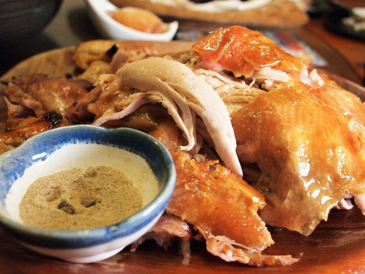 (圖/台灣旅行趣) ▲撕開後,雞汁都要滴了下來