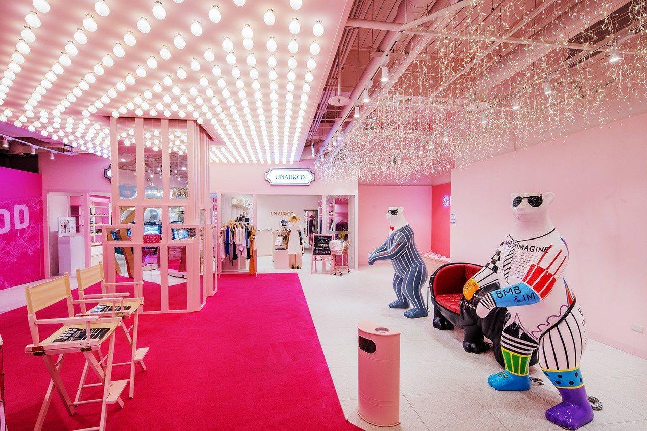 秀泰生活台中文心店近期也在2樓打造粉紅色的夢幻空間,命名為「粉紅好萊塢」。圖/秀...