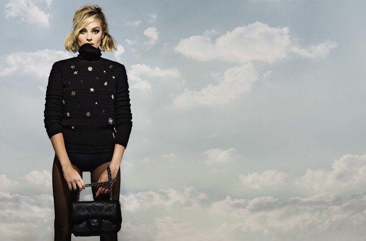 Coco Neige是香奈兒專為冬季運動與滑雪活動設計的服裝系列,結合了機能性服...