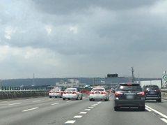 擋好擋滿!總統維安 警車高速公路急煞擋5車道