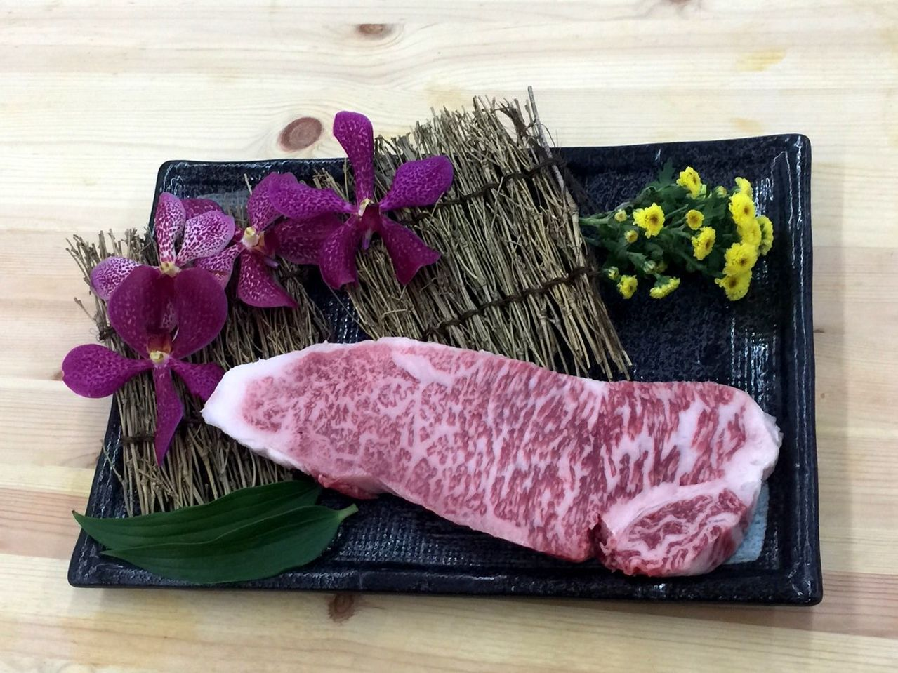 看準台灣高級牛肉消費市場,日本京都有半世紀歷史的名店「銀閣寺大西」首度來台展店,...