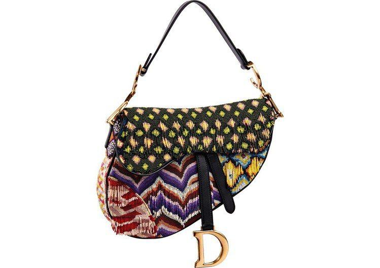 Saddle彩色串珠拼接中型馬鞍包,26萬5,000元。圖/Dior提供