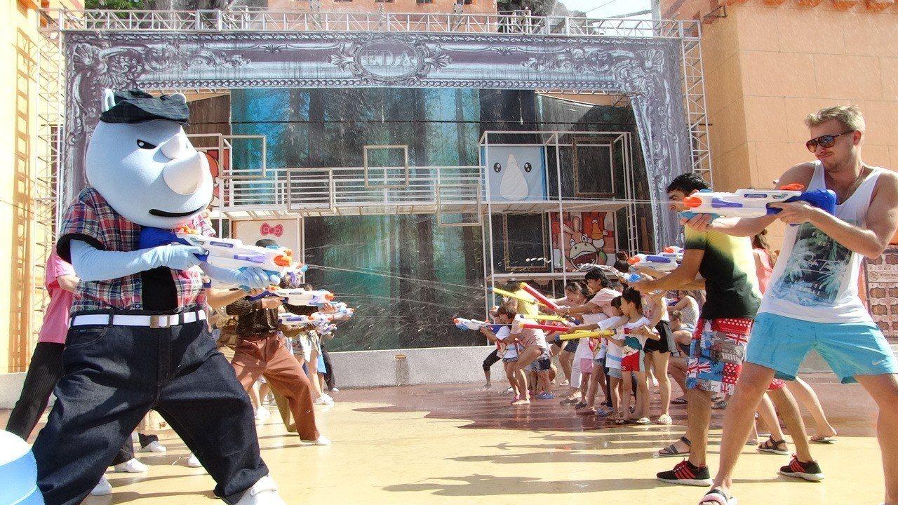 義大遊樂世界暑假推出水戰遊行。圖/義大世界提供