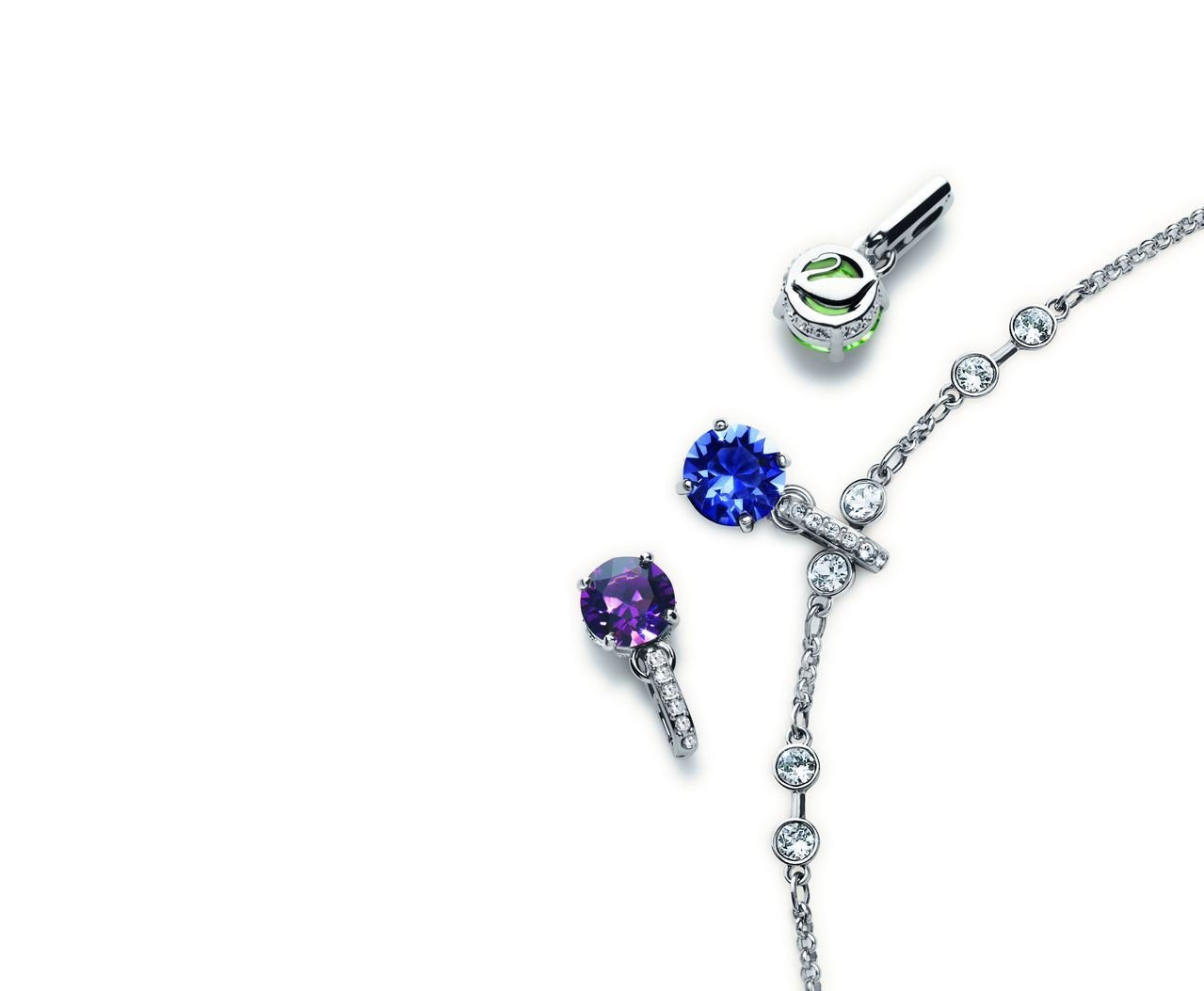 Swarovski Remix Collection 練飾,2,000元; S...