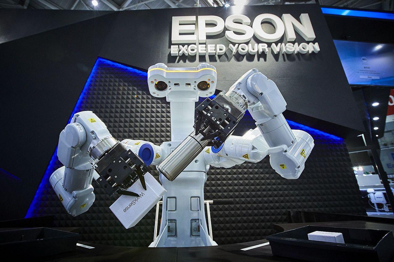 Epson自主性人工智慧雙臂機器人WorkSense W-01,具備「視覺辨識」...