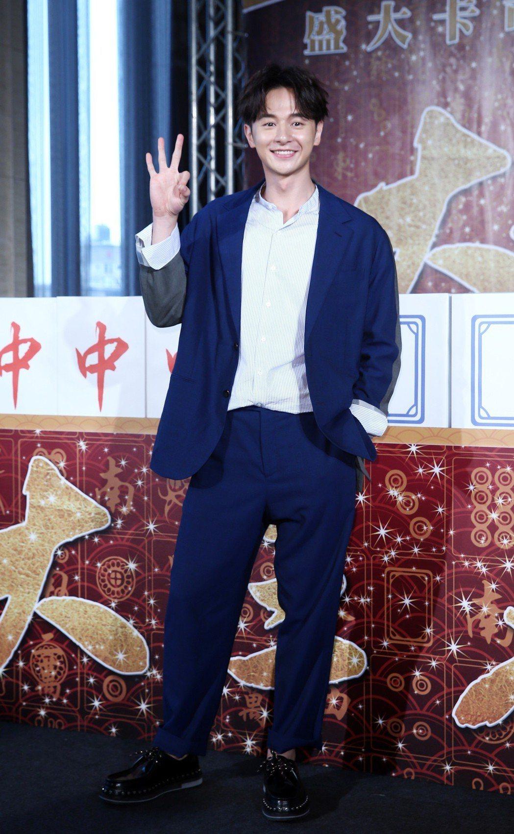 電影《大三元》預定在明年賀歲檔上映,男主角張軒睿出席記者會為電影宣傳。記者杜建重...