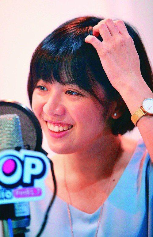「學姐」黃瀞瑩接受電台專訪,她說聽到「陪吃飯」一句話,當下「覺得怪怪的」。記者陳...