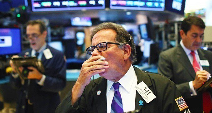 美股周三漲跌互見,蘋果公司股價寫下新高。  路透