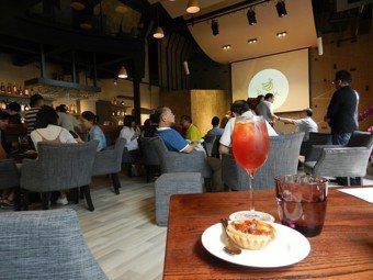 下午茶的時光,靜默享受彈奏聲,「BANANA音樂館」絕對是你最佳的首選。  ※ ...