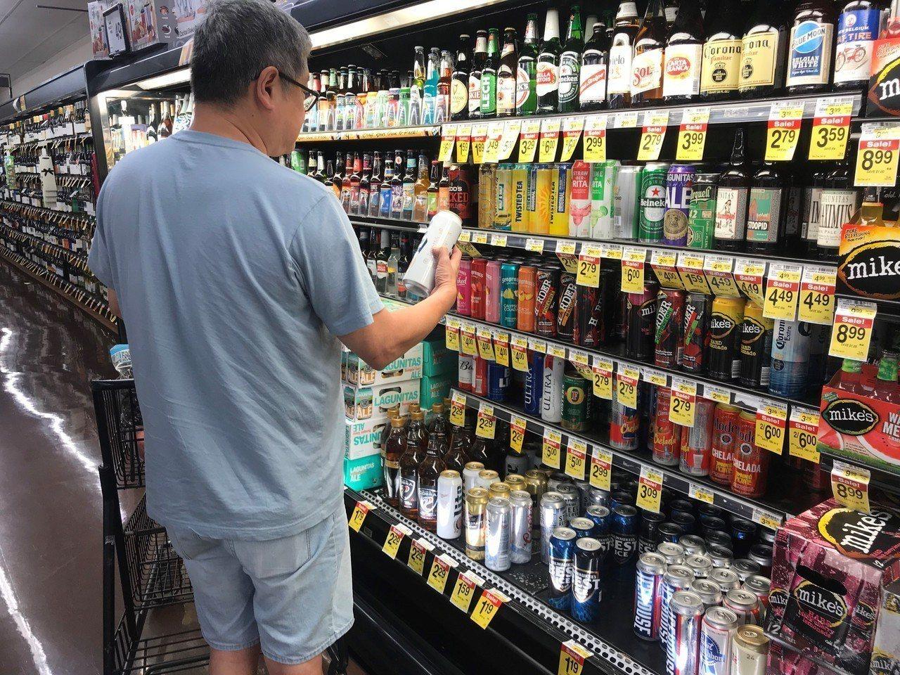 鋁罐成本增,芝加哥啤酒今秋開漲。記者黃惠玲/攝影