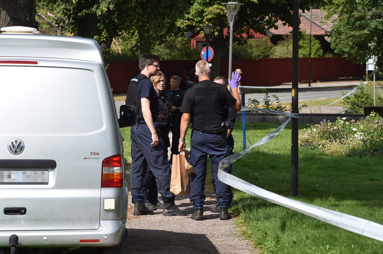 瑞典發生驚天搶案,兩名男子在光天化日下偷走三件王室收藏品,嫌犯隨即搭汽艇逃之夭夭...