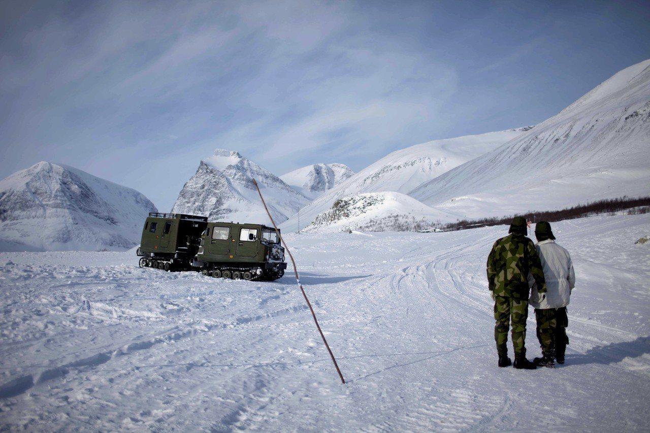 瑞典最高峰-喀布內卡塞山(Kebnekaise)南峰冰川,受到北極地區破紀錄高溫...