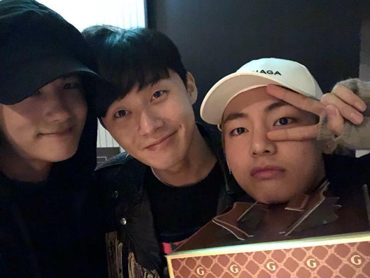 (左至右)朴炯植、朴敘俊、金泰亨。圖/擷自instagram