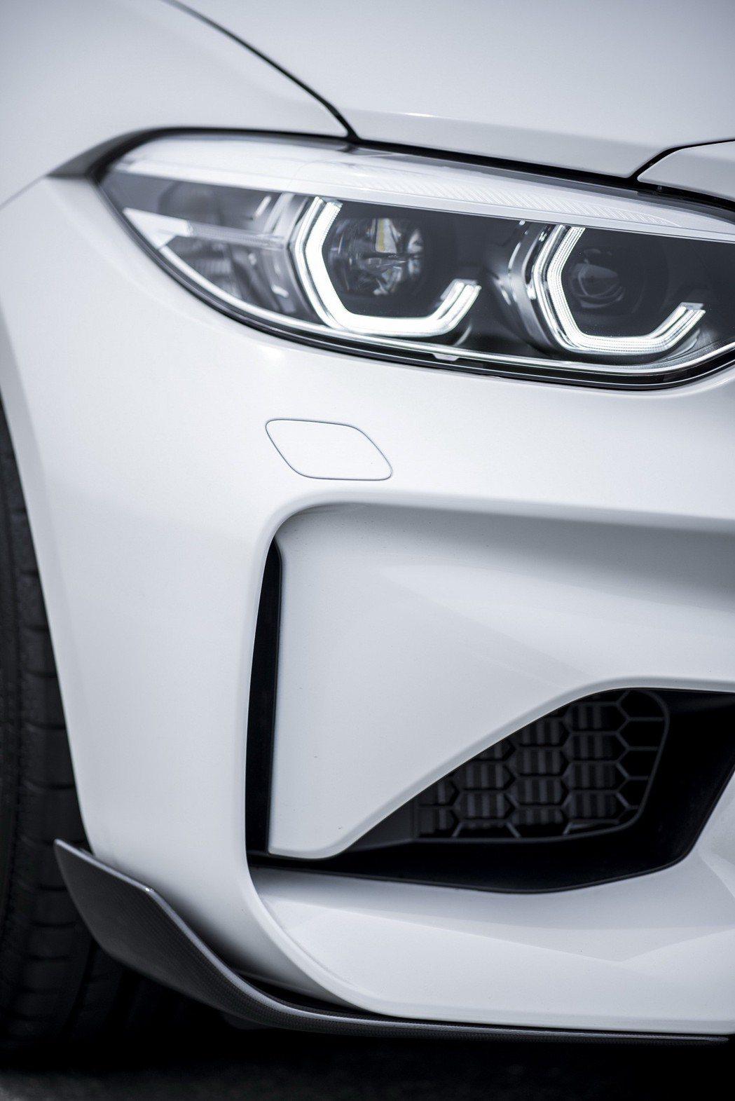 M Performance碳纖維前定風翼。 圖/汎德提供
