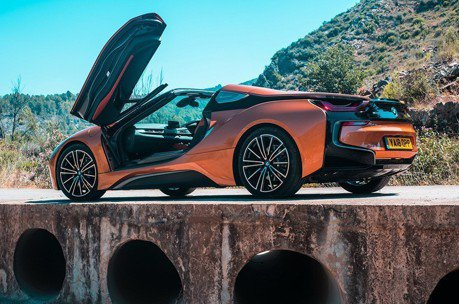 BMW i8 Roadster進攻英國市場!售價只要台灣的一半!