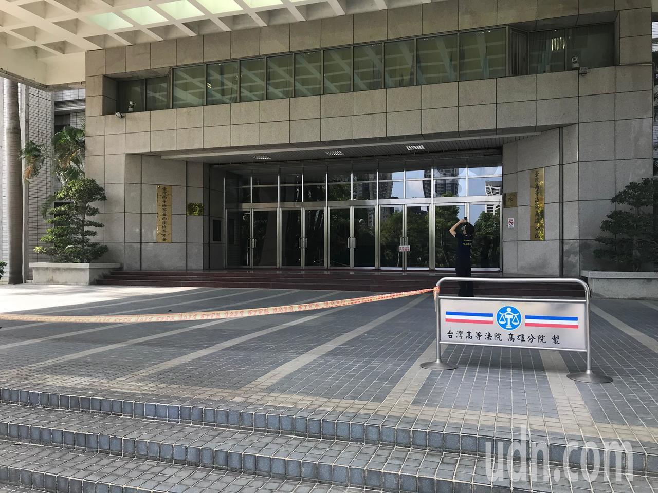 曾姓法警跌落到1樓。記者林伯驊/攝影
